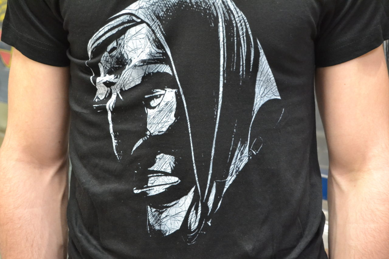T-Shirt stampa maschera sarda