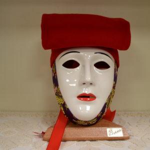 Maschera Sartiglia Bianca  Truccata Con Broccato E Berrita Rossa