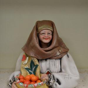 Busto Di Vecchia Con Bisaccia In Ceramica Colorato
