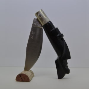 Coltello Col Manico In Corno Di Bufalo Con La Scultura Mamuthones