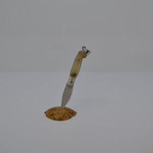Coltellino Ciondolino In Corno Di Montone Con La Lama E Ghiera In Argento
