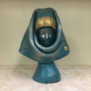 Busto Donna Orgolese In Ceramica Con Dettagli Color Oro