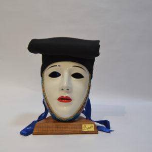 Maschera Sartiglia Bianca Truccata Con Broccato E Berrita Nera