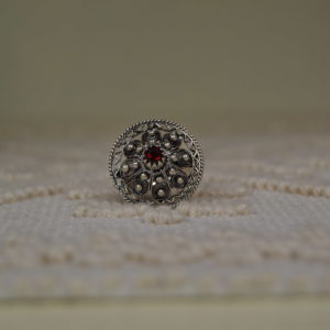 ANELLO IN ARGENTO CON BOTTONE