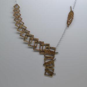 Collana In Sughero Cubi E Piume