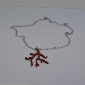 Collana Con Ciondolo In Sughero Rappresentanti Il Corallo