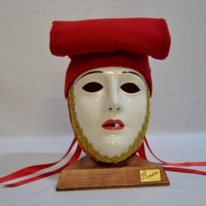 Maschera Sartiglia Bianca  Truccata Con Broccato Rosso E Berrita Rossa