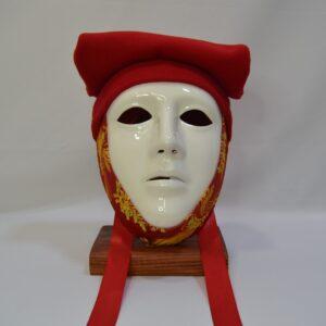 Maschera Sartiglia Bianca Con Broccato Rosso E Berrita Rossa Ceramiche Manis