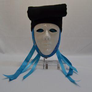 Maschera Sartiglia Bianca Con Broccato Azzurro E Berrita Nera