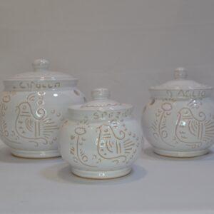 Tris Di Barattoli Porta Spezie In Ceramica Con Incisione Gallinella Di Artis