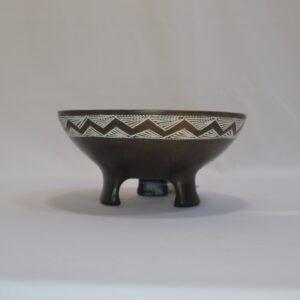 Tripode Campaniforme- Vaso In Ceramica Artistica Sarda Con Tre Piedini Villa Abbas